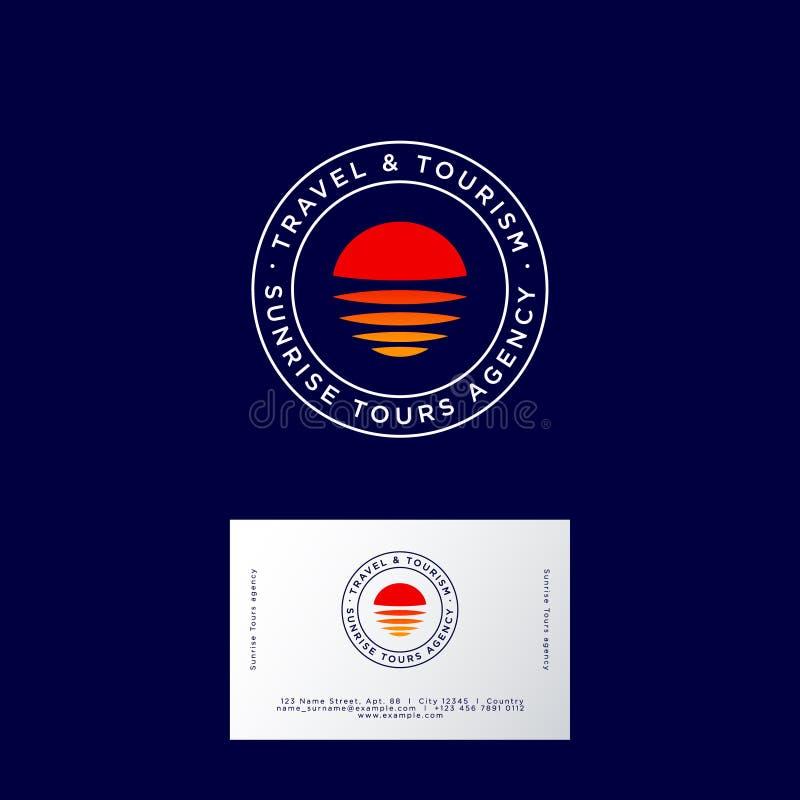 Logotipo da agência de viagens Emblemas do curso do nascer do sol ou da agência do turismo O sol, as ondas, a costa verde e as le ilustração do vetor