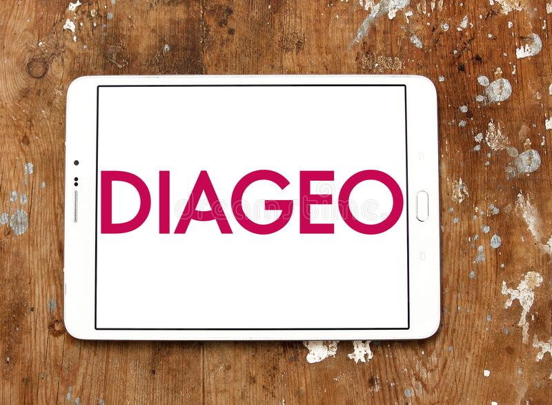 Logotipo da empresa das bebidas alcoólicas de Diageo foto de stock royalty free
