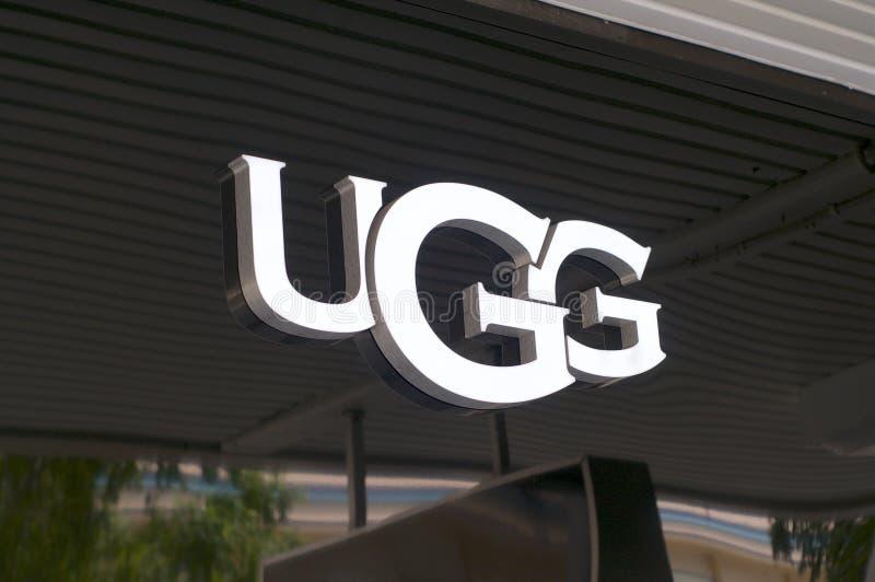 logotipo da empresa UGG fotografia de stock