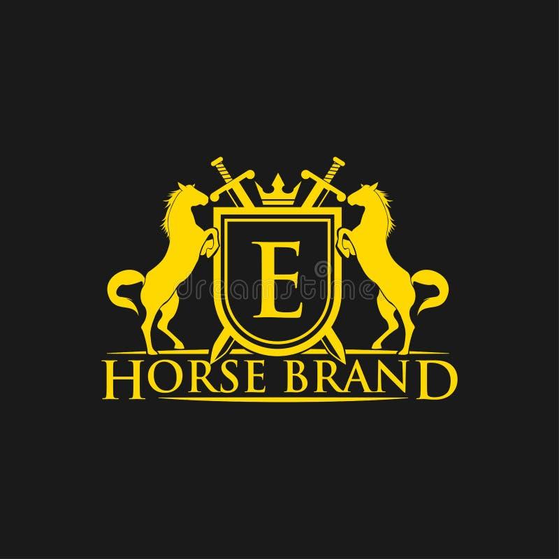 Logotipo da letra inicial E Vetor do projeto do logotipo do tipo do cavalo Crista dourada retro com protetor e cavalos Molde herá ilustração royalty free