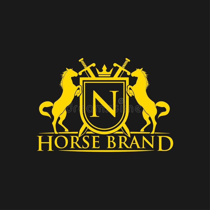 Logotipo da letra N inicial Vetor do projeto do logotipo do tipo do cavalo Crista dourada retro com protetor e cavalos Molde herá ilustração stock