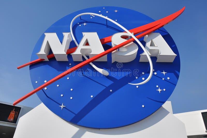 LOGOTIPO DA NASA NA ENTRADA AO CENTRO ESPACIAL imagens de stock royalty free