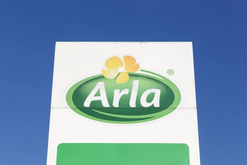 Logotipo de Arla Foods em um painel foto de stock