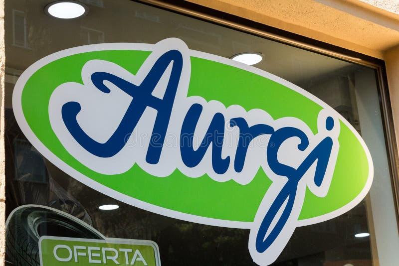 Logotipo de Aurgi na loja de Aurgi imagens de stock royalty free