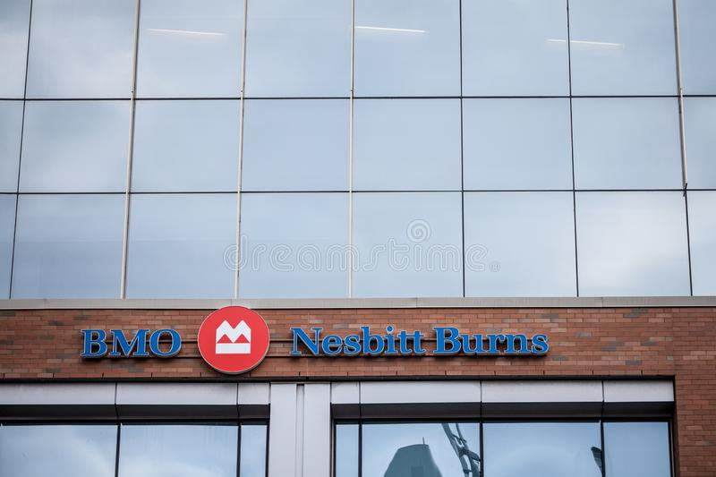 Logotipo de BMO Nesbitt Burns, na frente de seu escritório principal para Ottawa foto de stock royalty free