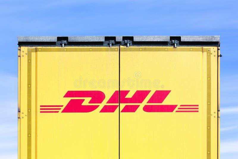 Logotipo de DHL en un camión fotos de archivo libres de regalías