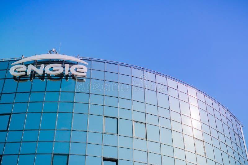 Logotipo de ENGIE exhibido en el HQ del ` s de la compañía imagenes de archivo
