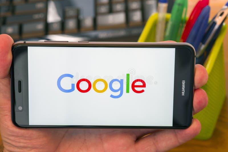 Logotipo de Google en el teléfono foto de archivo libre de regalías