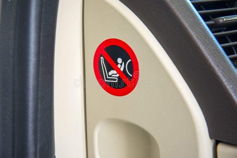 Logotipo de la instrucción de seguridad del saco hinchable del asiento del niño, etiqueta engomada foto de archivo libre de regalías