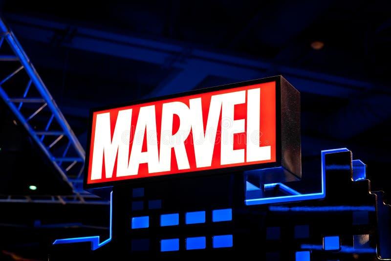 Logotipo de la maravilla en la tienda de Hamleys El grupo de los tebeos de la maravilla es editor de cómic americanos y de medios fotografía de archivo libre de regalías