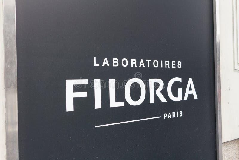 Logotipo de Laboratoires Filorga en el centro de Laboratoires Filorga imagen de archivo libre de regalías