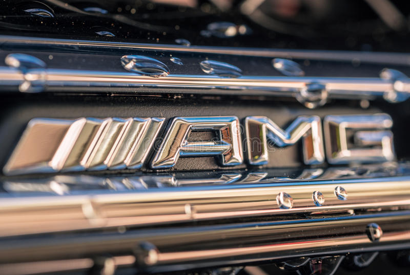 Logotipo del frente de Mercedes Benz AMG foto de archivo