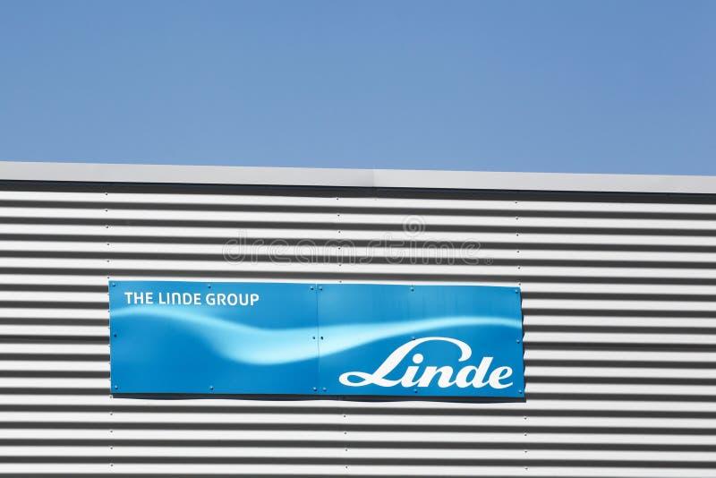 Logotipo del grupo de Linde en una pared foto de archivo libre de regalías