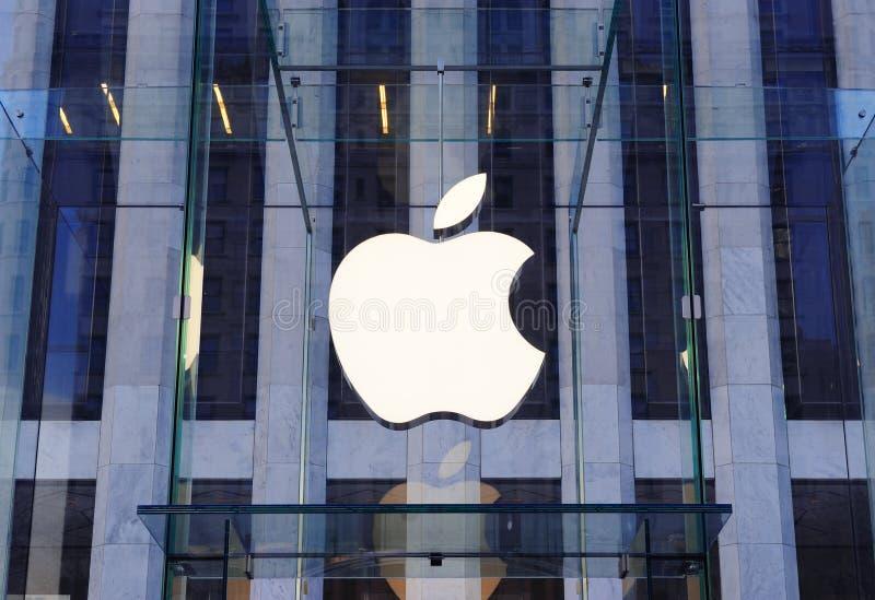Logotipo do Apple Computer em New York City imagem de stock