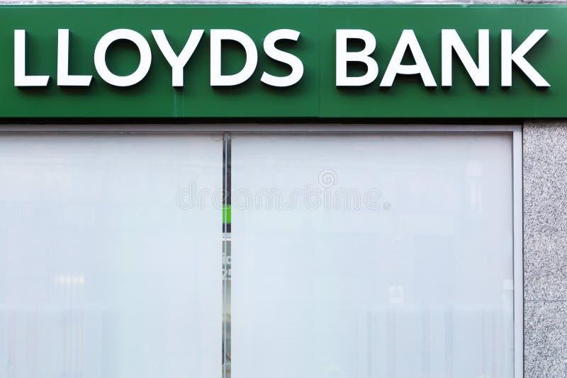 Logotipo do banco de Lloyds em uma parede foto de stock royalty free