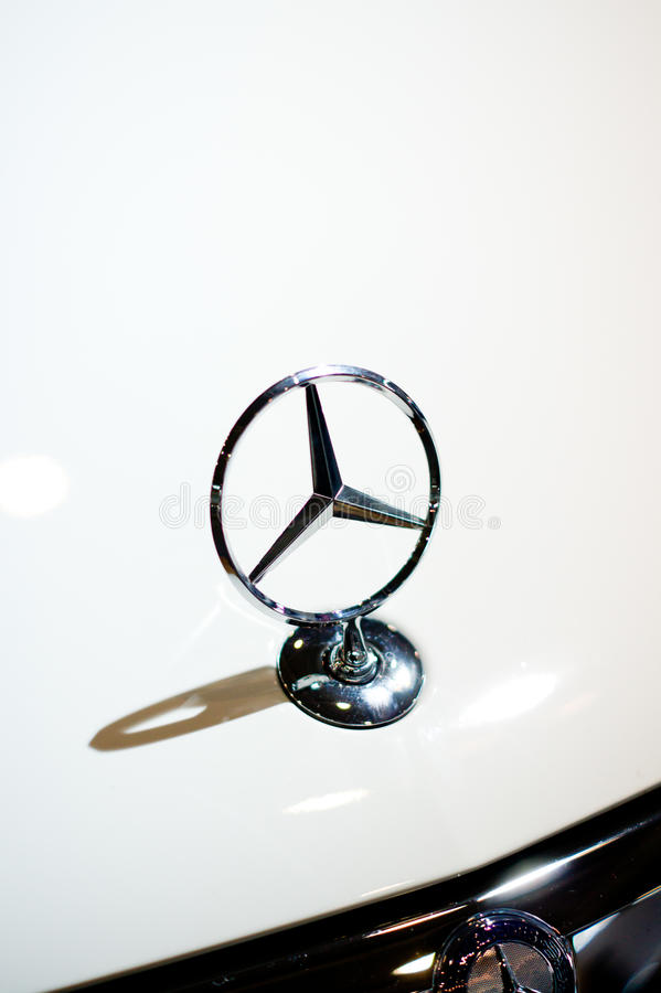 Logotipo do Benz de Mercedes imagem de stock royalty free