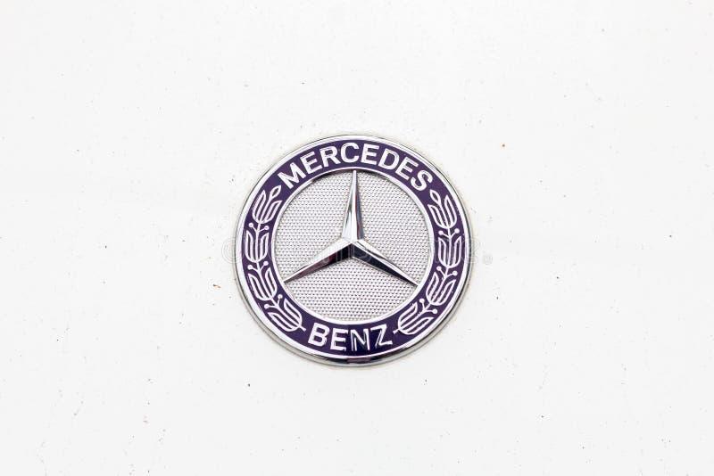 Logotipo do Benz de Mercedes fotografia de stock