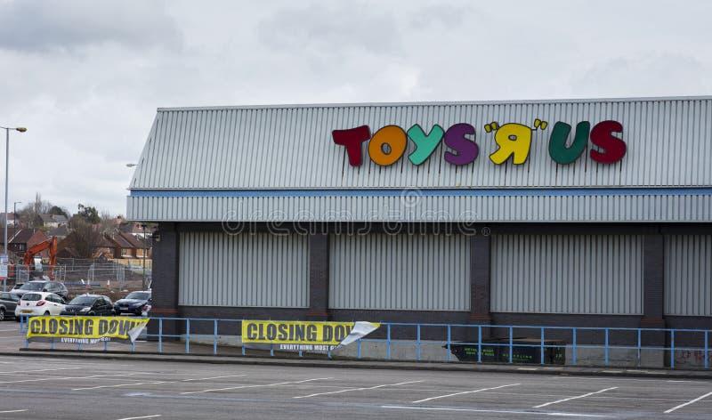 Logotipo do derby de Toys R Us, Derbyshire com sinal de fechamento fotografia de stock