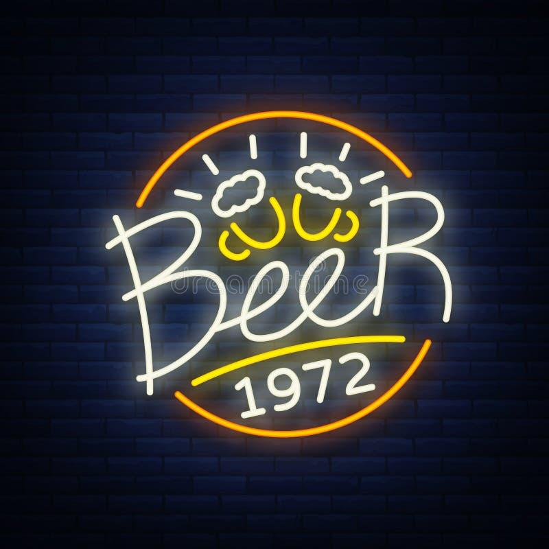 Logotipo do sinal de néon da cerveja, etiqueta, ilustração do vetor do emblema, emblema do projeto no estilo de néon Quadro indic ilustração royalty free