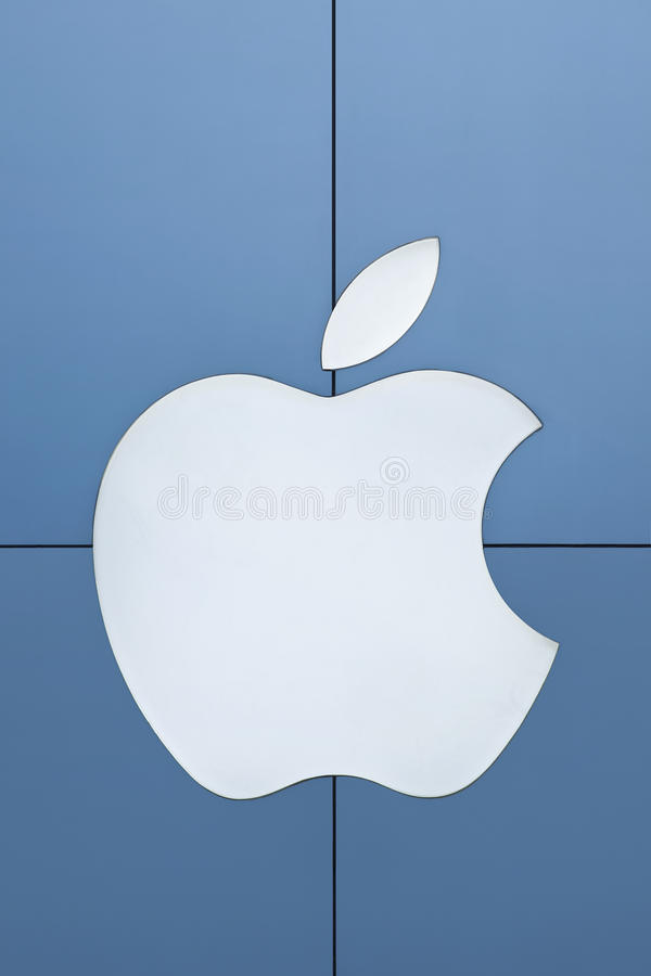 Logotipo en los paneles de aluminio, Pekín, China de Apple fotos de archivo libres de regalías