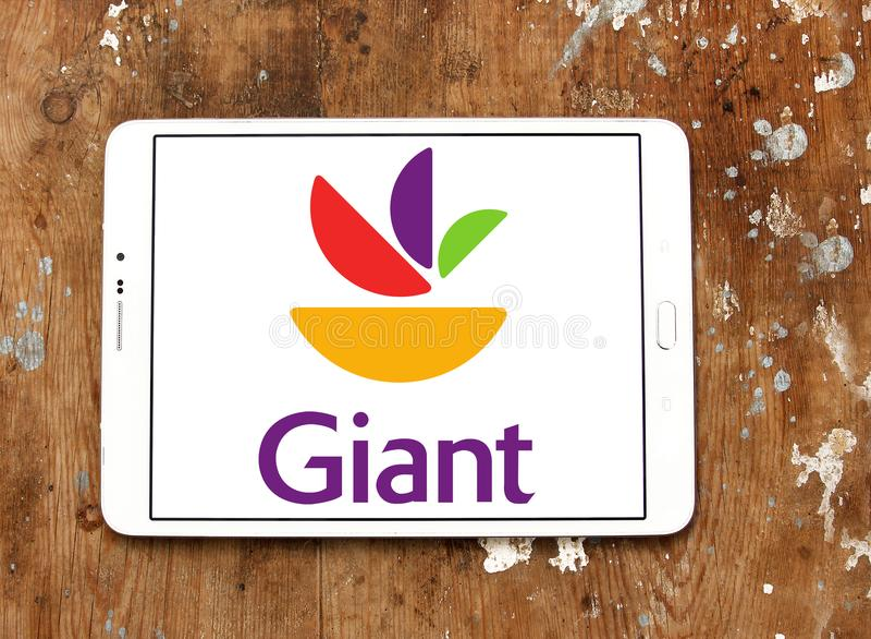 Logotipo gigante de la cadena de supermercados de la comida fotos de archivo