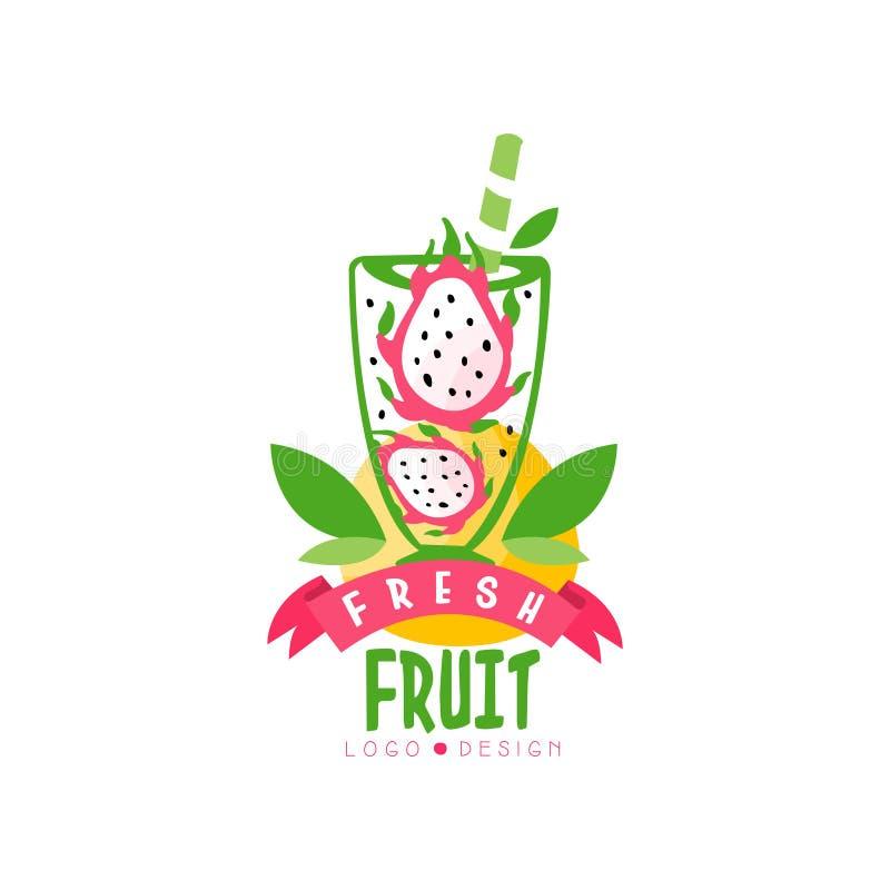 Logotipo original con mitades del pitaya maduro en vidrio Fruta tropical del dragón de la forma del jugo Bebida natural y sabrosa stock de ilustración