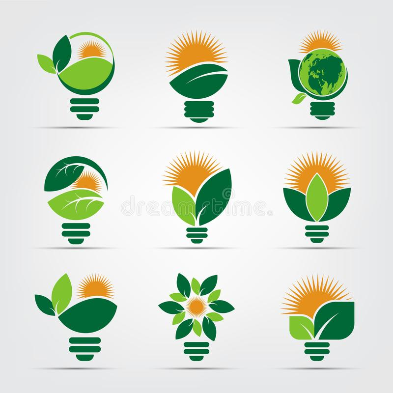 Logotipos do bulbo da ecologia do s?mbolo do verde com ?cone do elemento do sol e da natureza das folhas no fundo branco Ilustrad ilustração do vetor