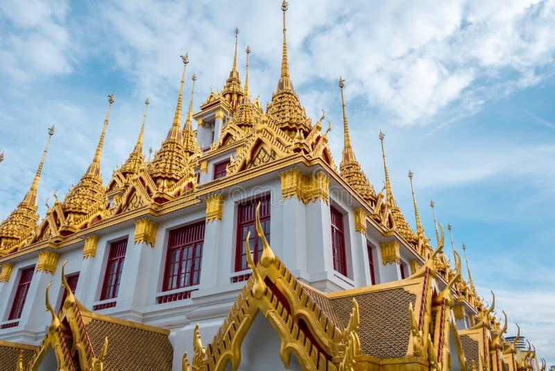 Loha Prasart или замок металла на Wat Ratchanadda на Бангкоке, Таиланде стоковое фото rf