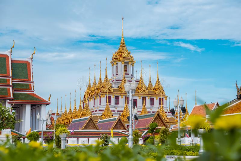 Loha Prasart или замок металла на Wat Ratchanadda на Бангкоке, Таиланде стоковое изображение rf