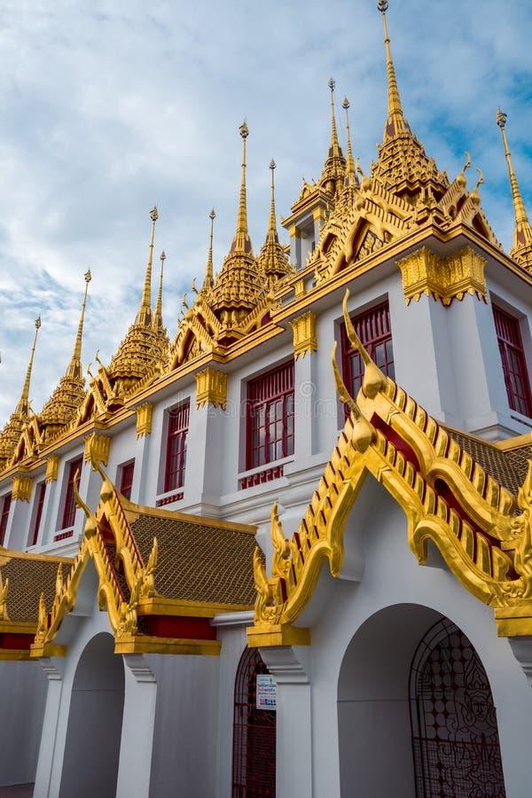 Loha Prasart или замок металла на Wat Ratchanadda на Бангкоке, Таиланде стоковые фотографии rf