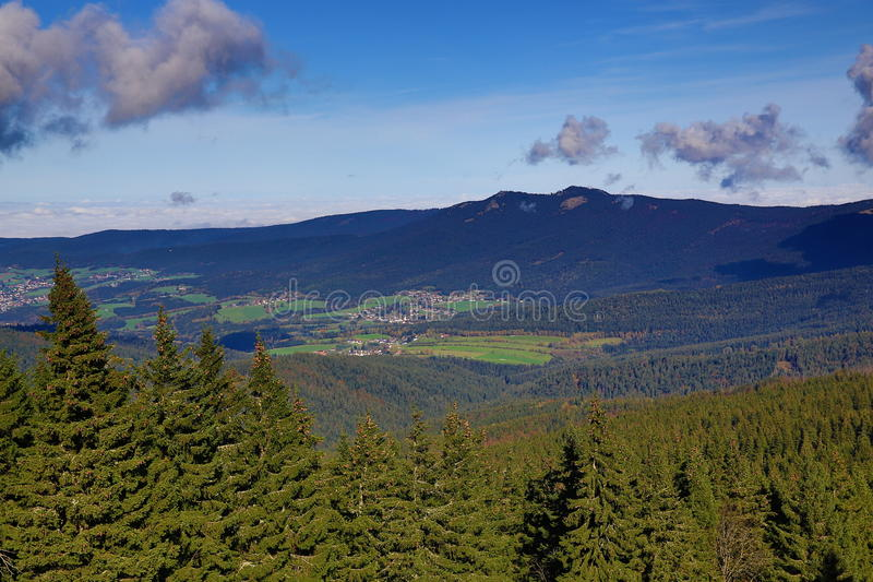 Lohberg, Großer Arber (deutsch für großes Arber) ist die höchste Erhebung der Bayerisch-Böhmisch-Gebirgskante, Deutschland stockbilder