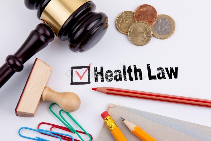 Loi de santé Questionnaire avec la Croix-Rouge sur le livre blanc images stock