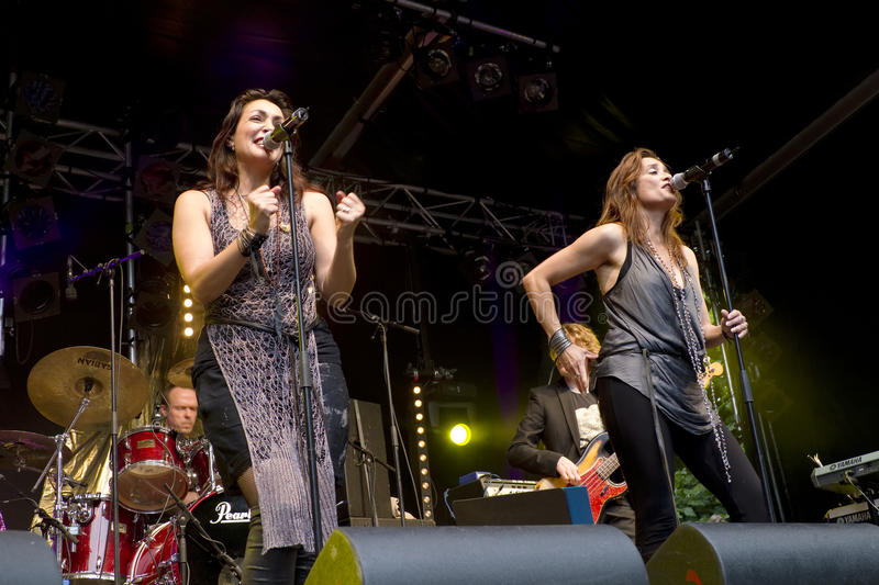 Download Lois Lane Sing An Abba Tribute At Big Rivers Editorial Photography - Image of action, holland: 20429942