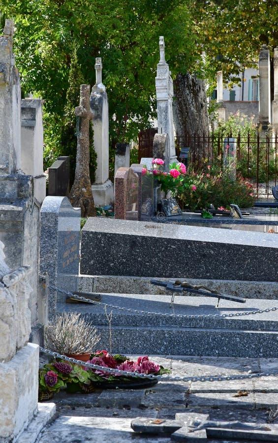 Loix Frankrike - september 26 2016: kyrkogård arkivbild