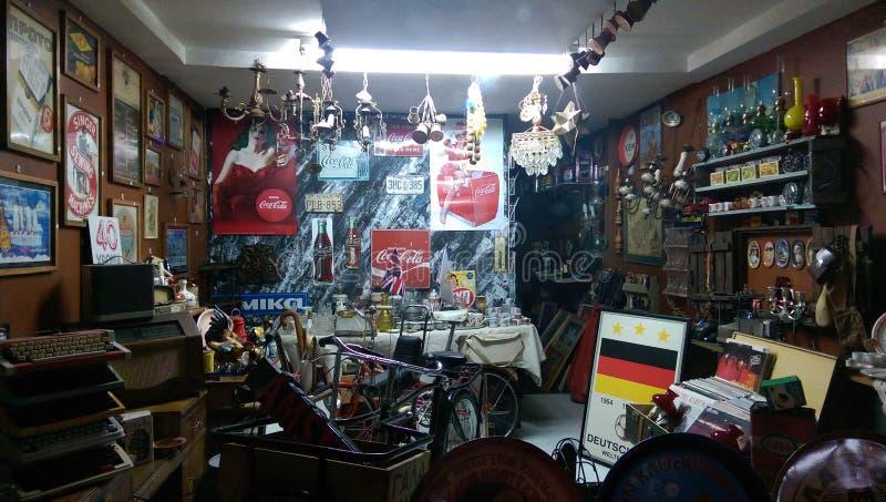 Loja antiga em Nicosia - Chipre imagem de stock