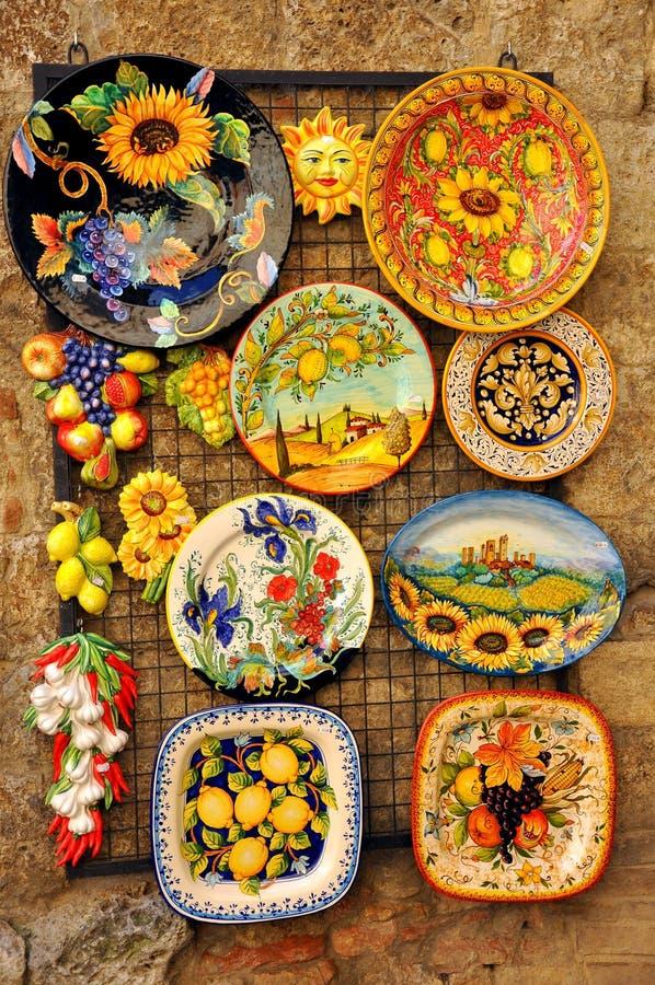 Loja cerâmica em San Gimignano, Italy imagens de stock