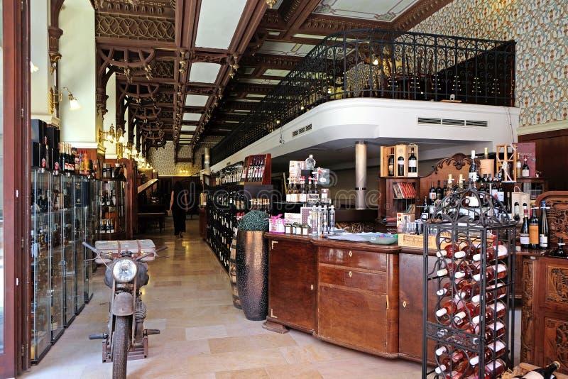 Loja da barra e do conceito de vinho em CPE Hungria imagem de stock royalty free
