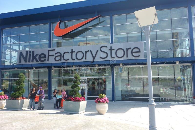 Loja da fábrica de Nike fotos de stock royalty free
