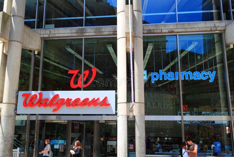 Loja da farmácia de Walgreens fotografia de stock