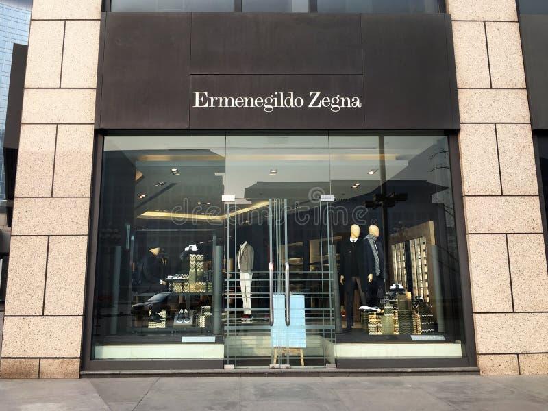 Loja da forma de Ermenegildo Zegna no Pequim fotografia de stock