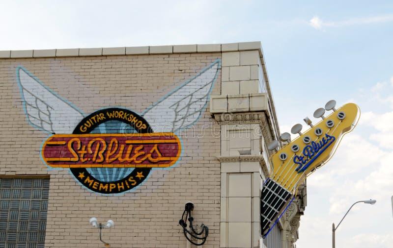 Loja da guitarra dos azuis de Saint, Memphis Tennessee foto de stock royalty free