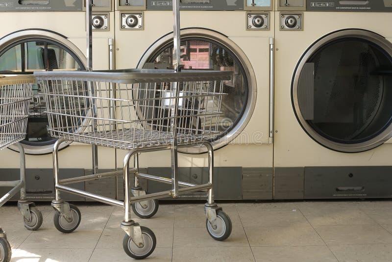 Loja da lavanderia imagens de stock royalty free
