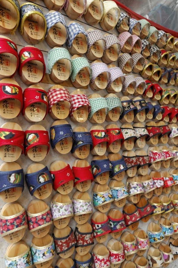 Loja da vista da rua de Jiufen, Taipei das obstruções, Taiwan foto de stock
