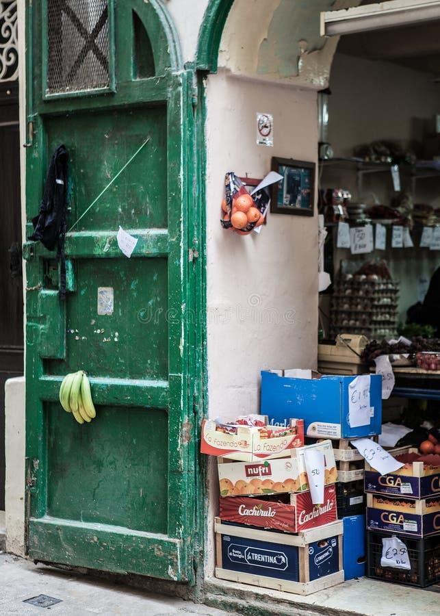 Loja das frutas e legumes em valletta Malta fotografia de stock royalty free