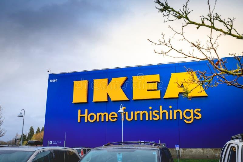 Loja das mobílias para a casa de IKEA Localizado nas cascatas Pkwy, Portland fotos de stock