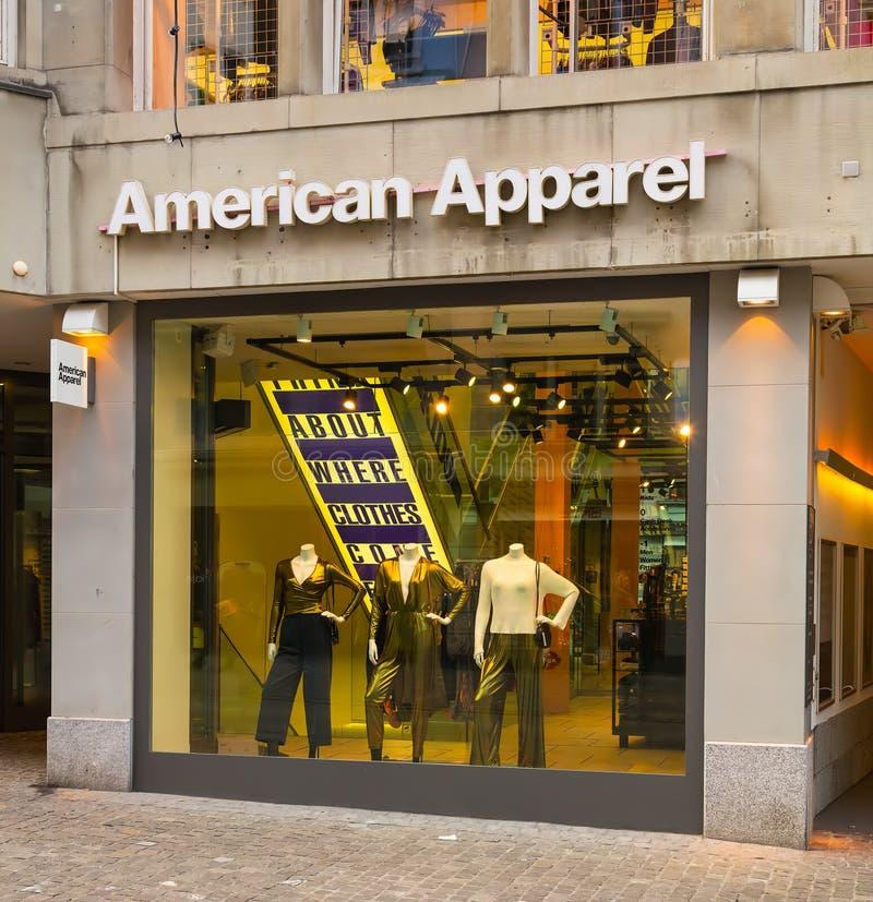 Loja de American Apparel na parte histórica da cidade de Zuri imagens de stock royalty free