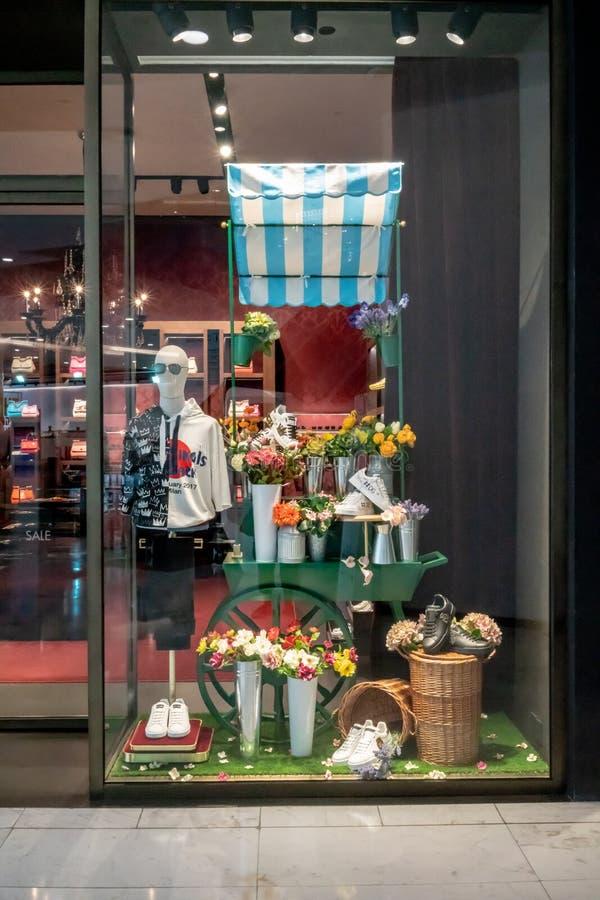 Loja de Dolce & de Gabbana em Emquatier, Banguecoque, Tailândia, o 29 de junho, 20 fotografia de stock