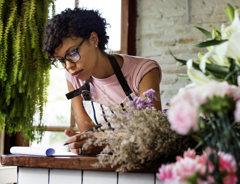 Loja de florescência varejo da planta do florista imagens de stock