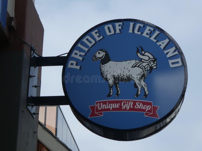 A loja de Islândia assina dentro Reykjavik fotos de stock royalty free