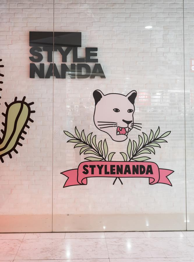 Loja de Stylenanda em Emquatier, Banguecoque, Tailândia, o 7 de setembro de 2017 imagem de stock